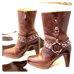 FRYE RARE Katie Ring Studded Harness Heeled Boots